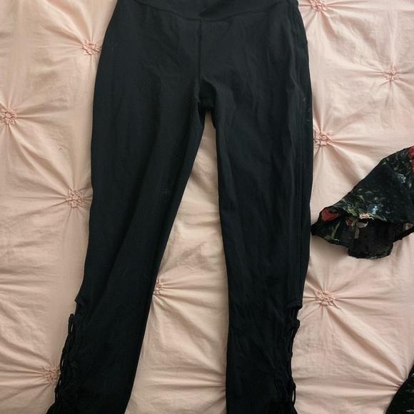 Lululemon size 6 black leggings